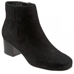 Trotter Womans Shanon Black Suede Ankle Boots